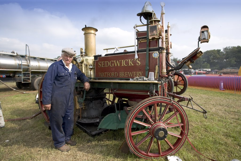 England, Hertfordshire, Whitwell. Shand Mason steam powered fire engine at the Whitwell Steam and Country Fair. : Stock Photo