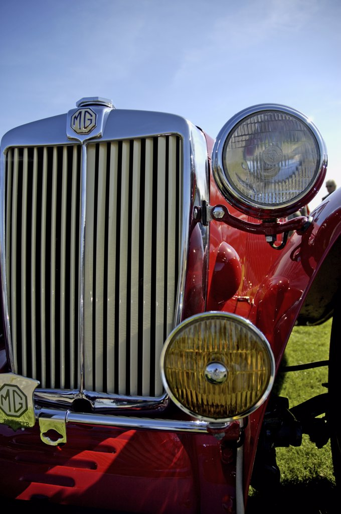 England, East Sussex, Lewes. A detail shot of an MG classic car at a car show. : Stock Photo