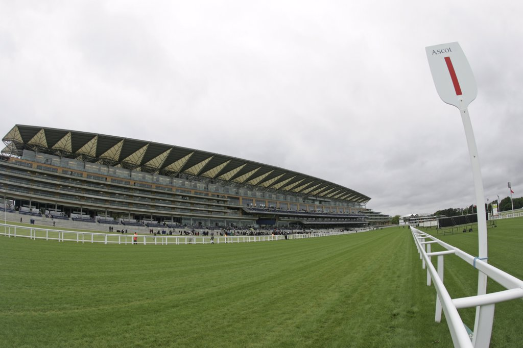 England, Berkshire, Ascot. A view across the track to the stands on Pre Opening Day of the Ascot Races. : Stock Photo