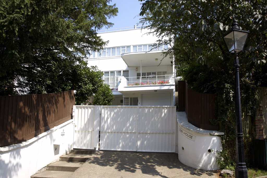 Stock Photo: 4282-28111 England, London, Camden. Exterior view of Sun House at Frognal  Way in Camden.