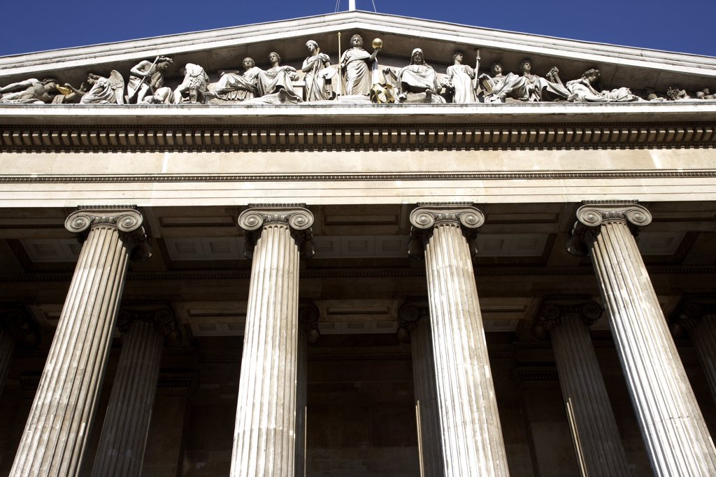 England, London, Great Russell Street. The front of the British Museum. : Stock Photo