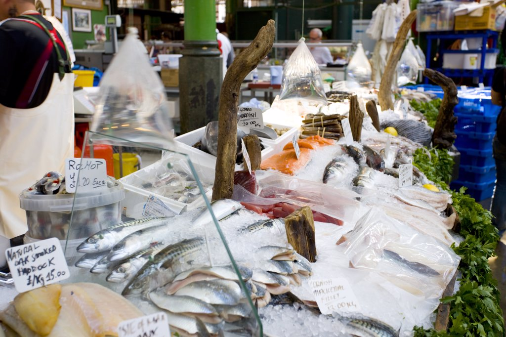 England, London, Bermondsey. Fresh fish for sale from a fishmongers stall in a market. : Stock Photo