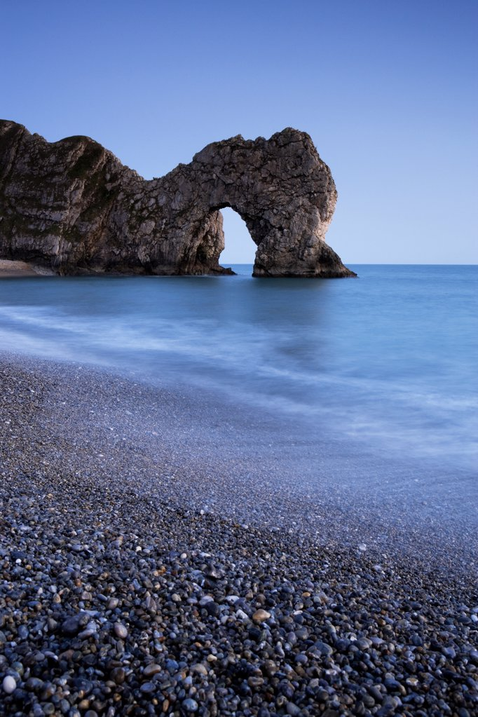 England, Dorset, Durdle Door. Durdle Door, a natural Limestone arch near Lulworth Cove, part of the UNESCO Jurassic Coast. : Stock Photo
