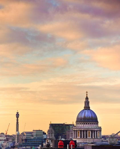 Stock Photo: 4282-30155 England, London, City of London. St Paul's Cathedral, designed by Sir Christopher Wren and completed in 1677 following the Great Fire of London. The building is one of the most iconic and recognisable London landmarks.