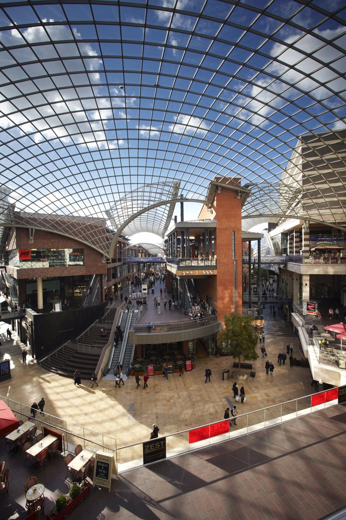 England, Bristol, Bristol. Cabot Circus, a state of the art shopping and leisure centre opened in 2008. : Stock Photo