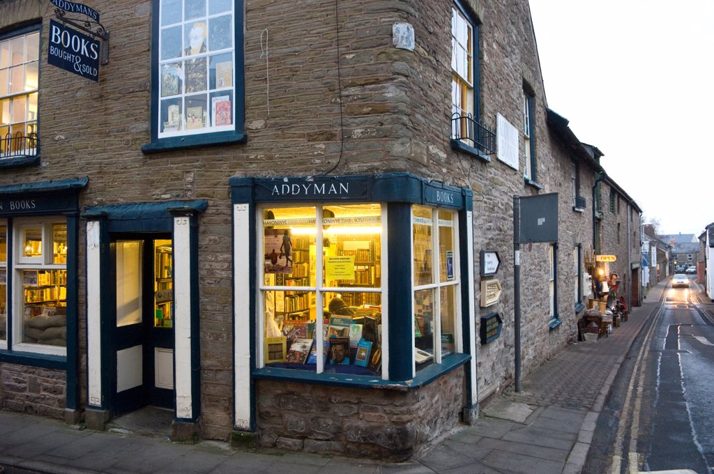 Wales, Powys, Hay-on-Wye. Exterior of a bookshop in Hay-on-Wye. : Stock Photo