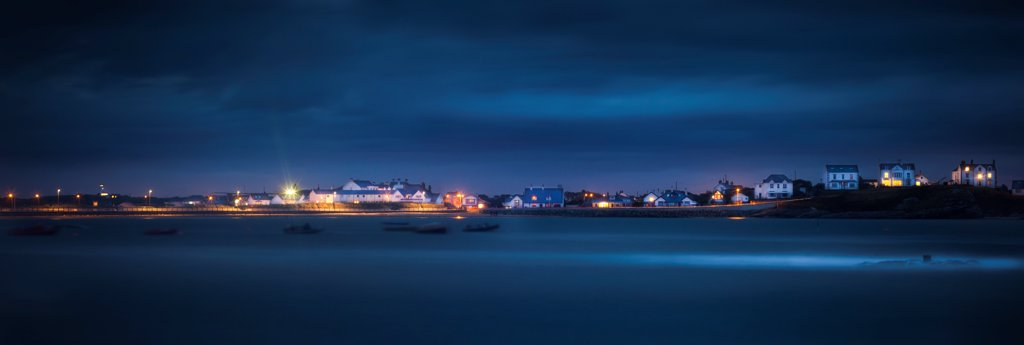 Stock Photo: 4282-31482 Wales, Anglesey, Trearddur Bay. Mist rolls over the sea at Trearddur Bay in Anglesey.