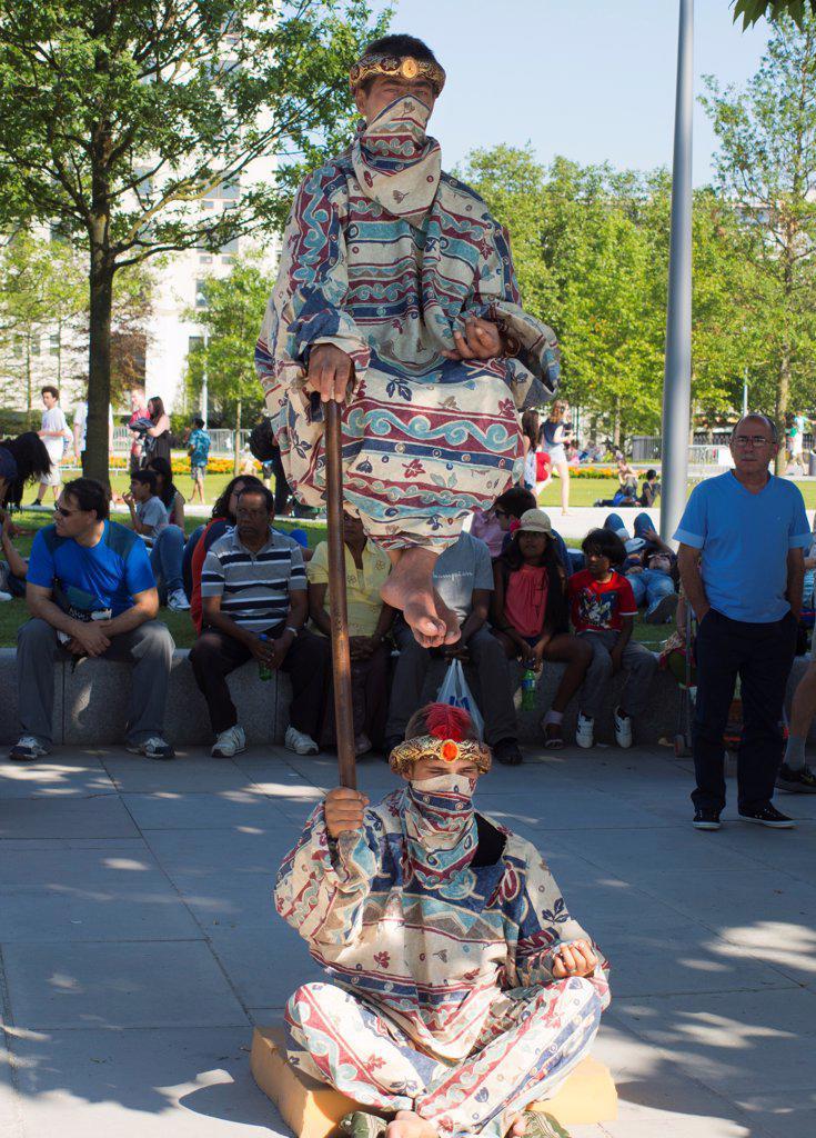 Stock Photo: 4282-31613 England, London, Waterloo Embankment. Street performers on Waterloo Embankment.