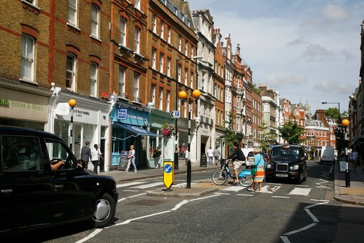 England, London, Marylebone. Taxis on Marylebone High Street. : Stock Photo