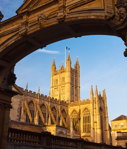 Stock Photo: 4282-6111 England, Bath and North East Somerset, Bath. Bath Abbey founded in 1499, on the site of an earlier Norman Cathedral and the original Abbey Church built in the 8th century.
