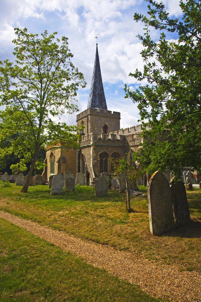 England, Hertfordshire, Stevenage. St Nicholas, the Grade 1 listed ancient parish church of Stevenage. : Stock Photo