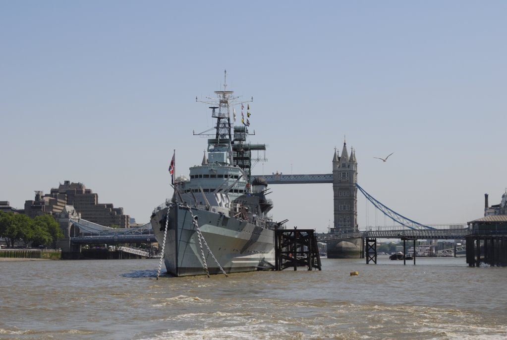 Stock Photo: 4282-7030 England, London, HMS Belfast and Tower Bridge. HMS Belfast and Tower Bridge on the River Thames.