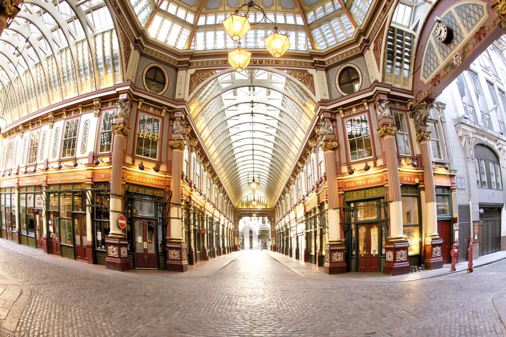 England, London, The City of London. The interior of Leadenhall market, an historic covered market standing at what was the centre of Roman London. : Stock Photo