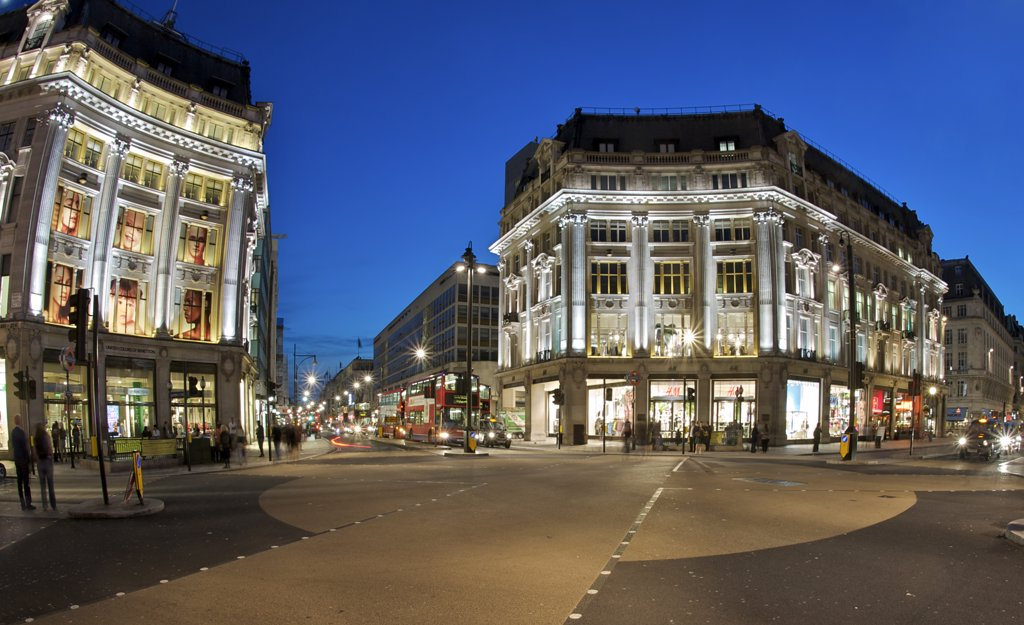 Stock Photo: 4282-7735 England, London, Oxford Circus. The new road crossing at Oxford Circus marked with a large X allowing pedestrians to cross diagonally as well as laterally.