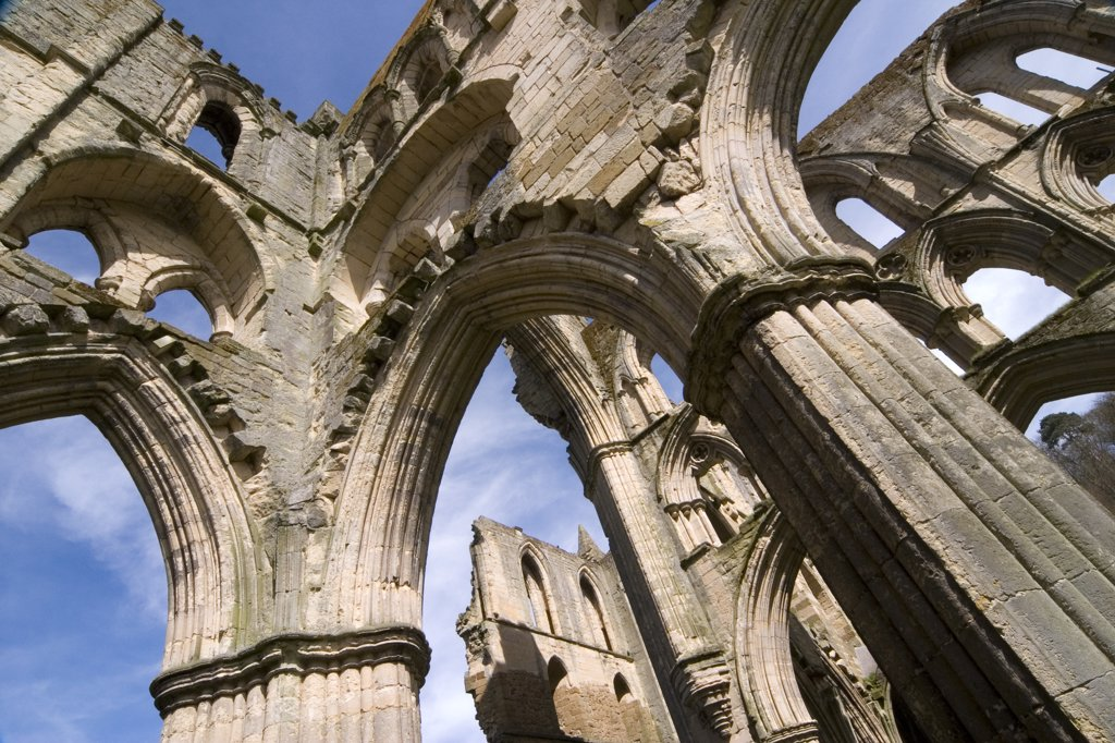Stock Photo: 4282-7840 England, North Yorkshire, Helmsley. Rievaulx Abbey.