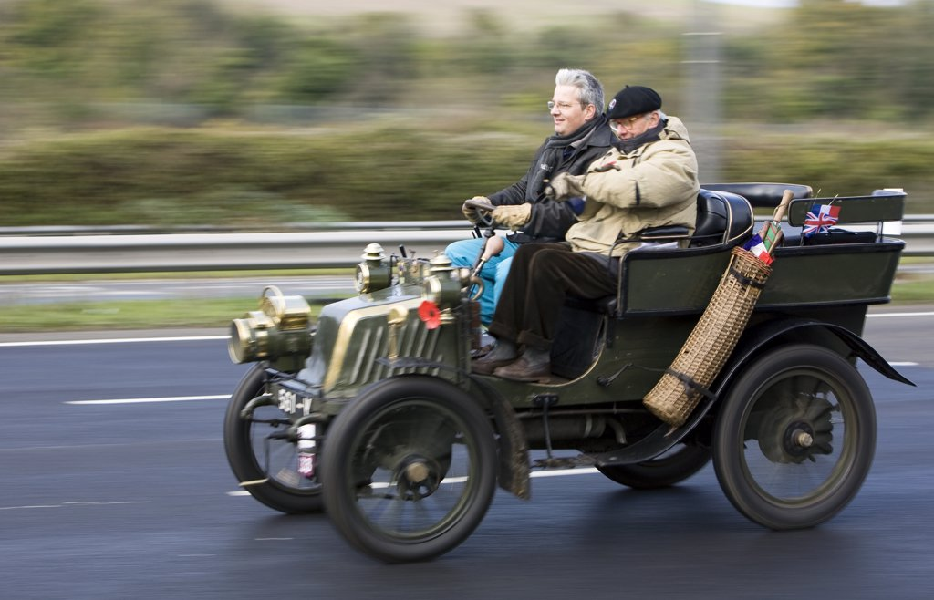 England, City of Brighton and Hove, Brighton. Participants in the London to Brighton veteran car run on the A23 approaching Brighton. : Stock Photo