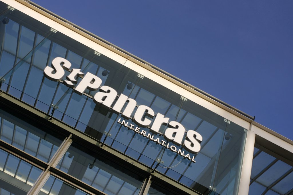 England, London, St Pancras. St Pancras International Station sign at the new home of Eurostar. : Stock Photo
