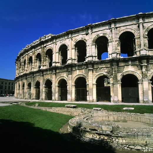 ROMAN ARENAS NIMES PROVENCE FRANCE : Stock Photo