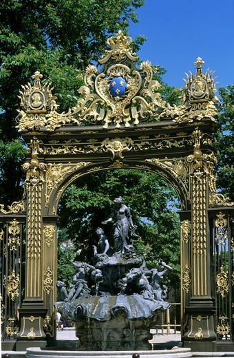 Stock Photo: 4285-10533 GILT WROUGHT-IRON RAILINGS AND AMPHITRITE FOUNTAIN BY GUIBAL PLACE STANISLAS SQUARE NANCY LORRAINE FRANCE