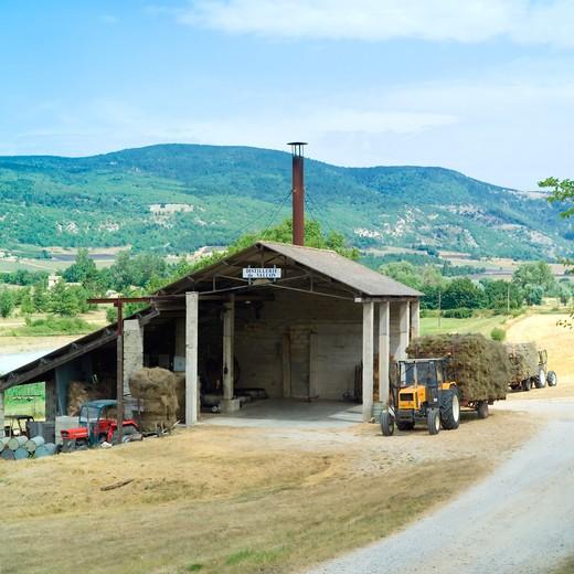 distillerie du vallon lavender oil distillery provence france : Stock Photo