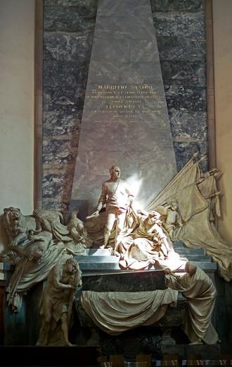 Stock Photo: 4285-11504 moritz von sachsen marshal of france mausoleum by sculptor pigalle in saint-thomas church strasbourg alsace france