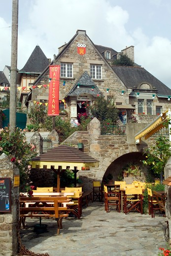 Stock Photo: 4285-11990 restaurant terrace and houses jerzual street dinan brittany france