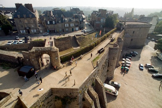 Stock Photo: 4285-12861 watch-path of castle 13th century dinan brittany france