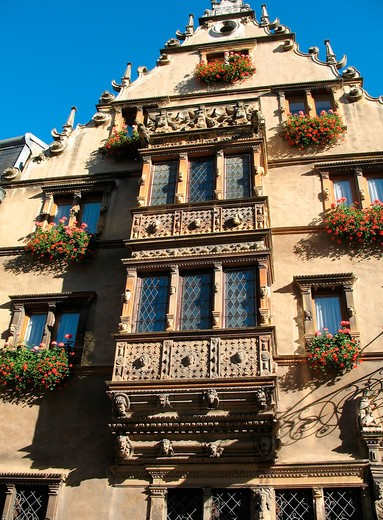 Stock Photo: 4285-13100 oriel windows maison des tetes renaissance house of the heads 17th century colmar alsace france