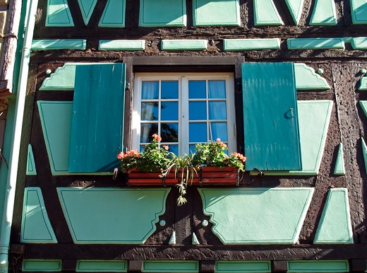 Stock Photo: 4285-13117 window of a green half-timbered house quai de la poissonnerie in tanner's district colmar alsace france