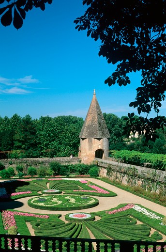 palais de la berbie castle's garden albi tarn france : Stock Photo