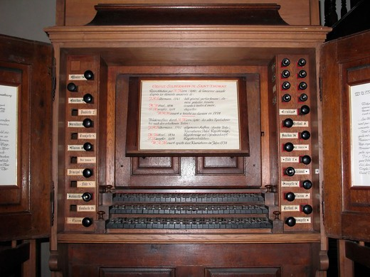 silberman organ 18th century played by mozart in 1778 in saint-thomas church strasbourg alsace france : Stock Photo