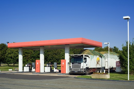 Stock Photo: 4285-14727 GAS STATION AND TRUCK FRANCE