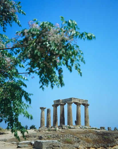 DORIC TEMPLE OF APOLLO ANCIENT CORINTH PELOPONNESE GREECE : Stock Photo