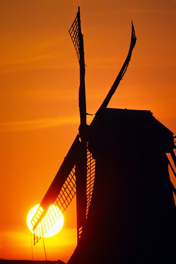WINDMILL WITH SUNSET HOLLAND NETHERLANDS : Stock Photo