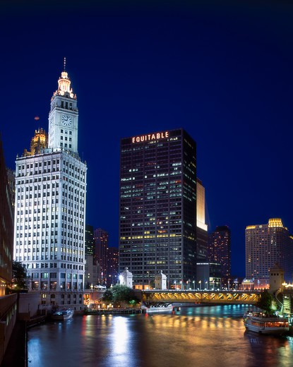 Wrigley Building and Chicago River, Chicago, Illinois at night : Stock Photo