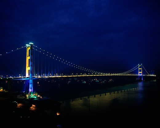 Tsing Ma Bridge the link to Chek Lap Kok Airport and Kowloon Peninsula, Special Administration Region, Hong Kong, China : Stock Photo