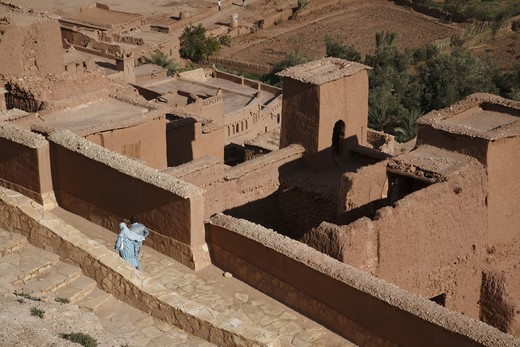 Stock Photo: 4285-17798 Africa, North Africa, Morocco, Atlas Region, Ouarzazate, Ait Benhaddou, Kasbah, Couple, Tourists
