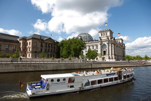 Stock Photo: 4285-18242 Germany, Berlin, Reichstag, German Parliament Building, Spree River, Tour Boat, River Cruise