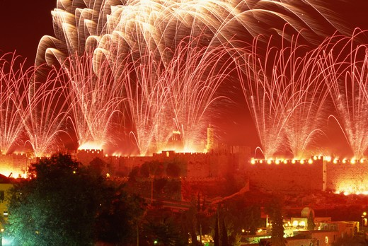 Stock Photo: 4285-19186 Israel, Jerusalem, Old City Wall, Fireworks