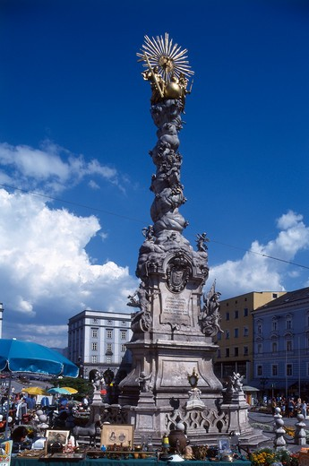 Stock Photo: 4285-19784 Austria, Linz, Hauptplatz Market Square, Trinity Column