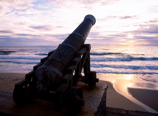 Colombo, Galle Face Green, Historical Cannon : Stock Photo