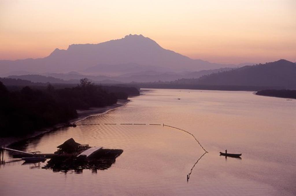 Stock Photo: 4285-21907 Malaysia, Borneo, Sabah, Kota Kinabalu, Mt. Kinabalu, Menkabong River