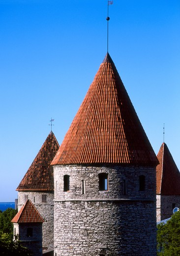 Stock Photo: 4285-22283 Toompea, Castle Fortress Wall, Cannon Towers, Old Town, Tallinn, Estonia