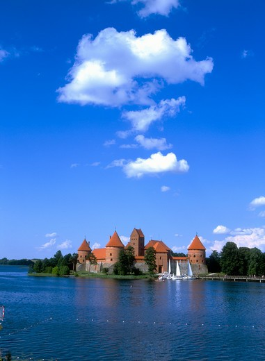 Stock Photo: 4285-22302 Island Gothic Castle, Lake Galve, Trakai, Lithuania