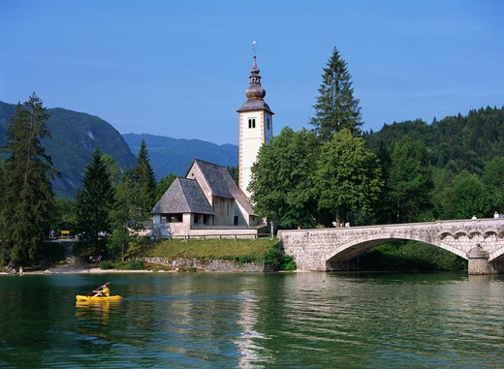 Stock Photo: 4285-22627 Slovenia, Bohinj, Ribcev Laz, Lake Bohinj, Stone Bridge and Church of St. John the Baptist
