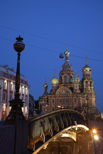 Russia, St Petersburg, Church of the Resurrection (Church on Spilled Blood), Little Stable Bridge (Malo-Konyushennyy most), Floodlit : Stock Photo