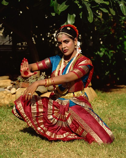 Stock Photo: 4285-24312 India, Mumbai, Bharatanatyam Dancing