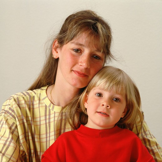 YOUNG WOMAN AND LITTLE GIRL : Stock Photo