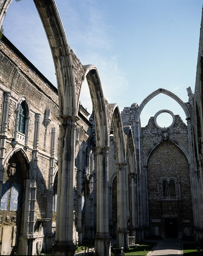 Stock Photo: 4285-7414 PORTUGAL LISBON IGREJA DO CARMO CARMELITE CHURCH'S RUINS 14C