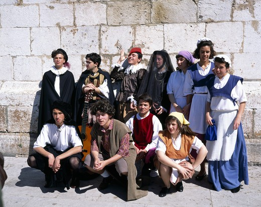Stock Photo: 4285-7509 PORTUGAL LISBON GROUP OF STUDENTS WITH TRADITIONAL DRESS